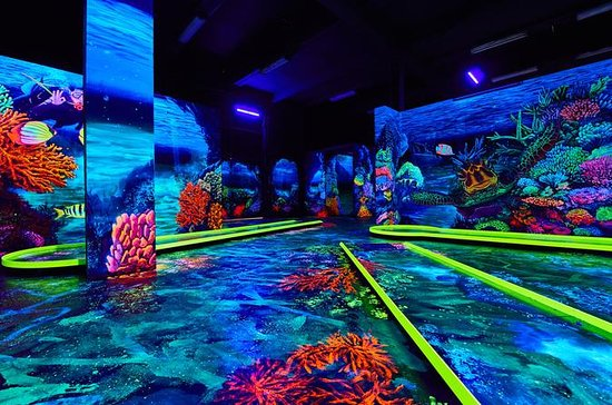 Neonis - Minigolf 3D Blacklight