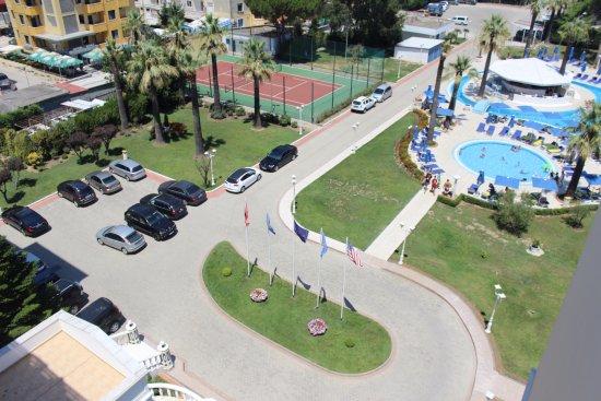 Adriatik Hotel: Parking on site , security 24/7