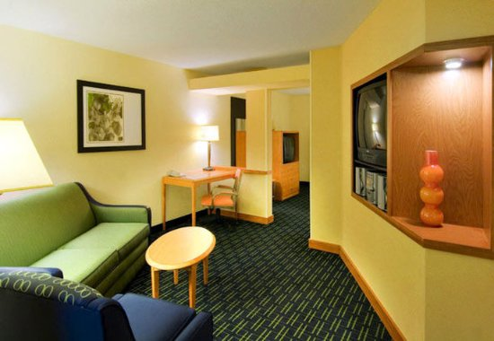 Emporia, VA: King Suite