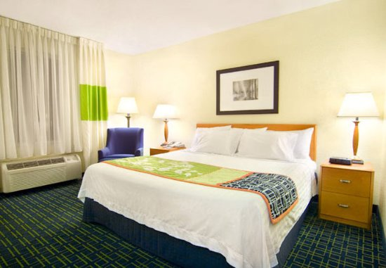 Emporia, VA: King Guest Room
