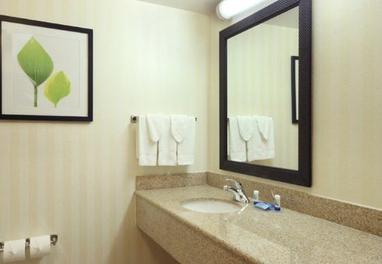 Avenel, NJ: Guest Bath