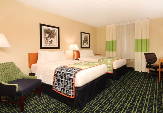 Avenel, NJ: Double/Double Guest Room