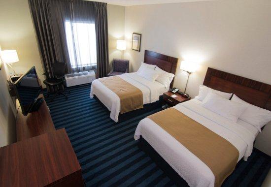 Fairfield Inn & Suites Lancaster: Double/Double Guest Room