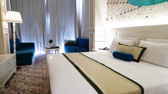 Adriatik Hotel: Executive family room with Jacuzzi and private terrace
