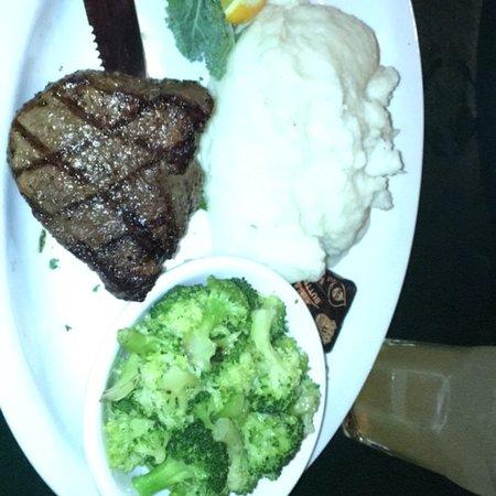 Howard's Steakhouse Photo