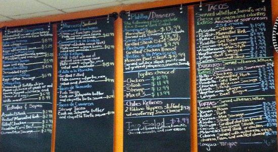 Mariachi's Tacos: menu board