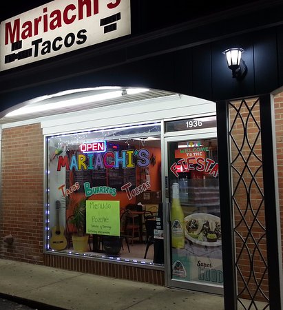 Mariachi's Tacos: front of & entrance to Mariachi's