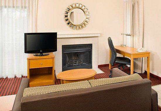 Madison Heights, MI: Studio Suite Living Area