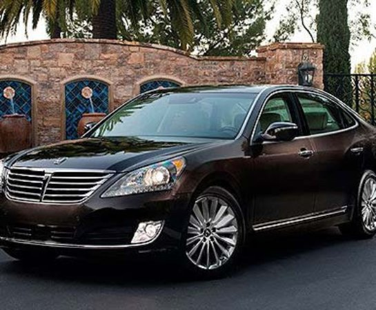 Corona, CA: Luxury Sedan
