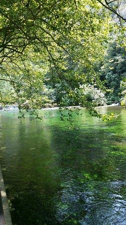 Fontaine de Vaucluse, Francia: 20170721_142243_large.jpg
