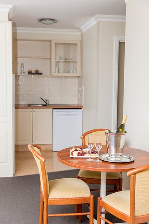 Littomore: One Bedroom Deluxe Apartment
