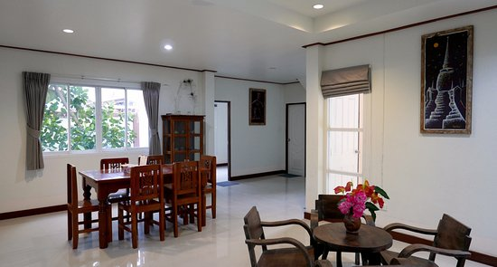 kamalar place wohnzimmer mit esstisch - Wohnzimmer Esstisch