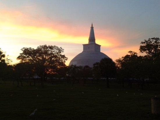 Lanka Inora Travels: Ancient capital, Anuradhapura Sri lanka !!