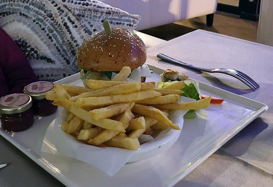Golden Fish: Für Kinder wird auch mal ein Burger ermöglicht.
