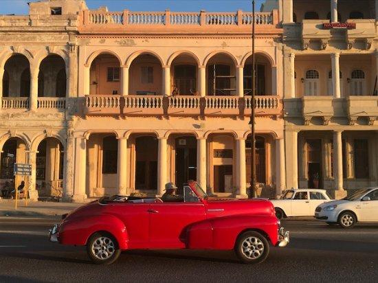 Experience Cuba Tours: Classic car in Havana