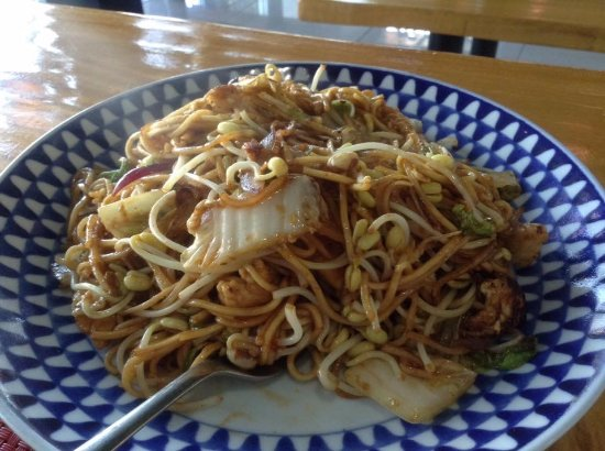 The Oriental Spice Gourmet: Mee Goreng: Quick to prepare and very delicious. Just how I remembered Indonesian mee goreng! Se