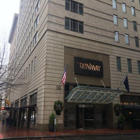 The Duniway Portland, a Hilton Hotel Photo