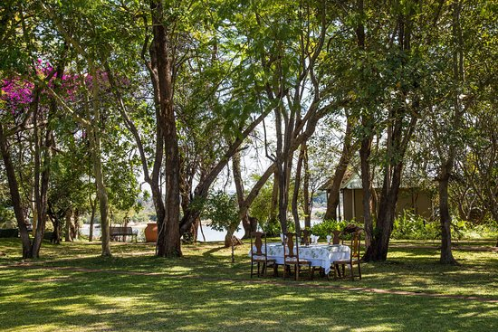 Dining: The River Club - Zambia