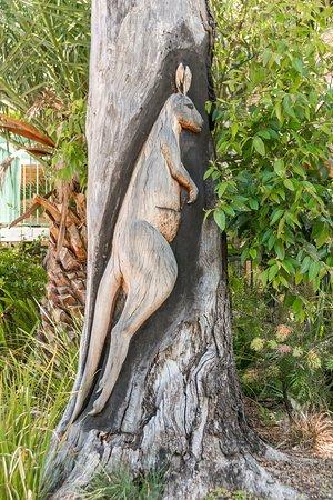 Rivervale, Australia: Tree Carvings