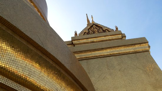 The Grand Palace: golden structures