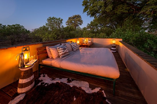 Linyanti Reserve, Botsuana: Star Bed at Savuti Camp