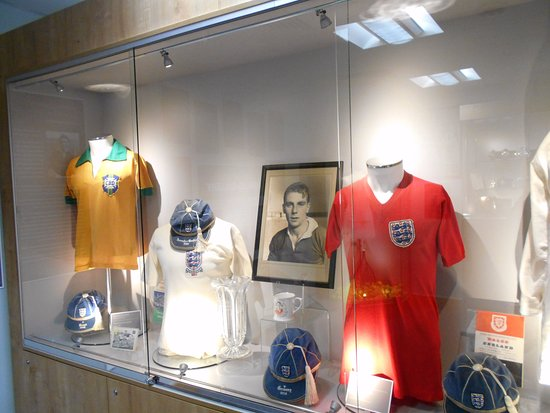 Dudley Museum and Art Gallery: In memory of Duncan Edwards