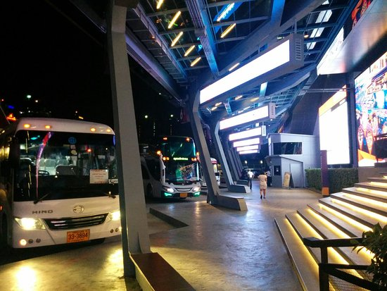 Yg republique picture of showdc bangkok tripadvisor for 1801 avenue of the stars 6th floor