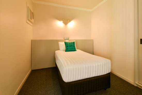 redcliffe singles - rent from people in redcliffe, australia from $20/night find unique places to stay with local hosts in 191 countries belong anywhere with airbnb.