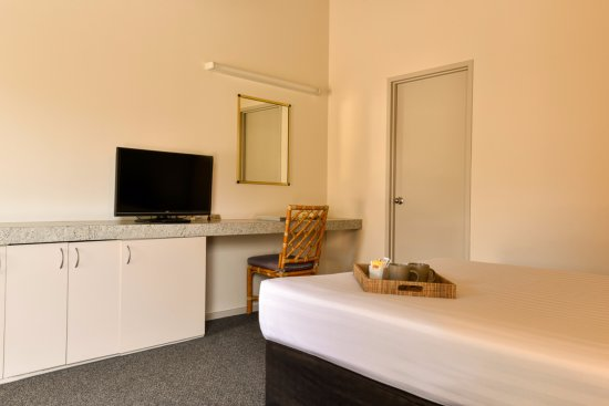 Redcliffe, أستراليا: Standard Room desk / bench space