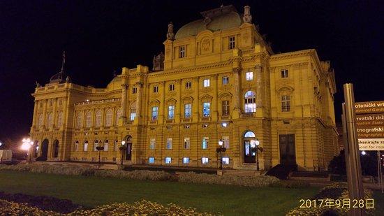 Croatian National Theatre in Zagreb3