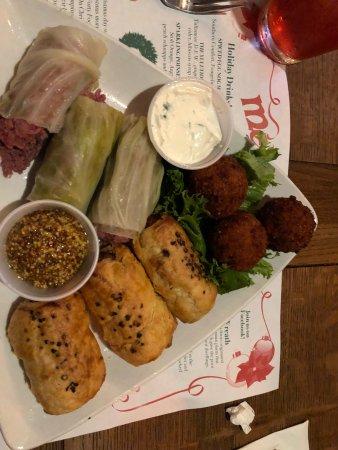 Meg O'Malley's Restaurant & Irish Pub: photo2.jpg