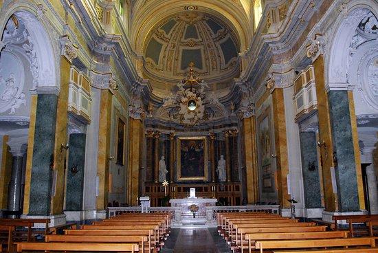 Poggio Mirteto, Itália: Interno Cattedrale Santa Maria Assunta
