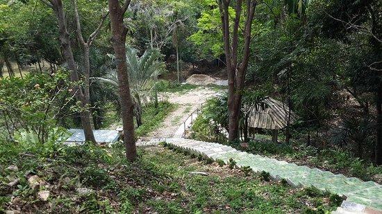 Thepha, Thailand: เนินสวยในสวน
