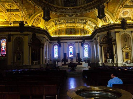 Cathedral Basilica of St. Joseph: ingresando