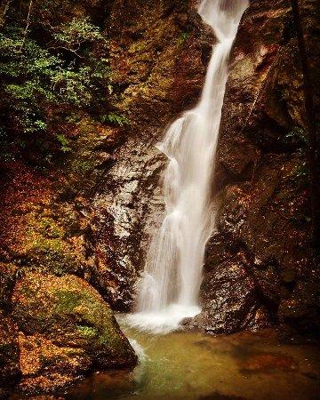 Sambaitani Falls