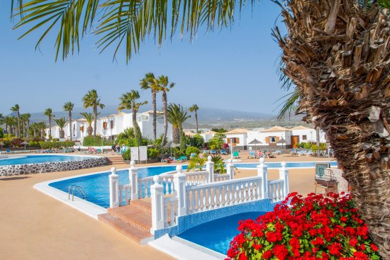 Royal Tenerife Country Club by Diamond Resorts: Outdoor pools