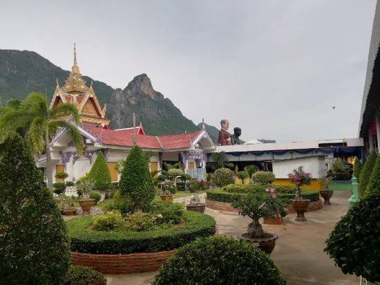 Tan Chet Yot Temple