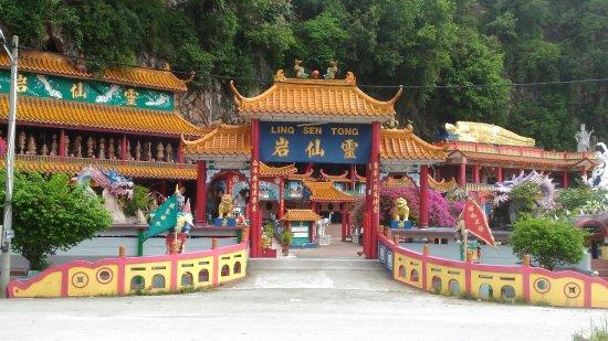 Ling Sen Tong Temple