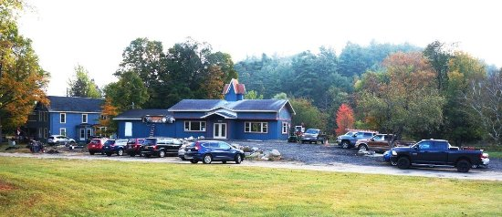 Adirondack Mountain Coffee Cafe: Opening day, 10/07/17, yielded a full parking lot!
