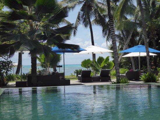 Dhevatara Beach Hotel Photo
