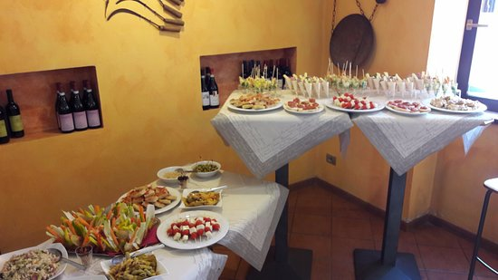Recetto, Ιταλία: Buffet all'inglese (brunch)