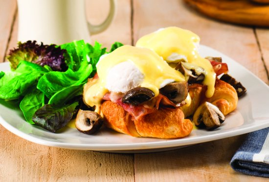 The Egg & I Restaurant: Parisian Benedict