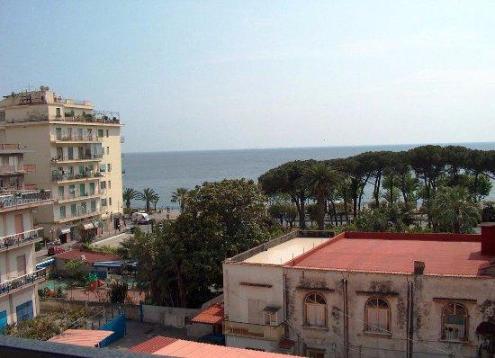Le case della costa maiori italien lejlighed for Case mediterranee della california