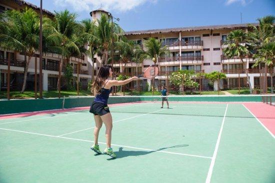Suites Beach Park Resort: Quadra de tênis