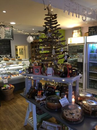 Budleigh Salterton, UK: Home Made Mince Pies & Cakes