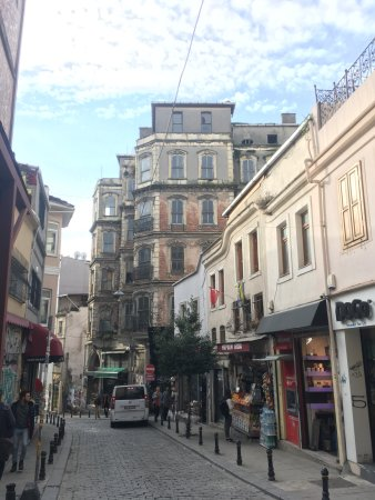 World House Istanbul: The neighborhood is very interesting
