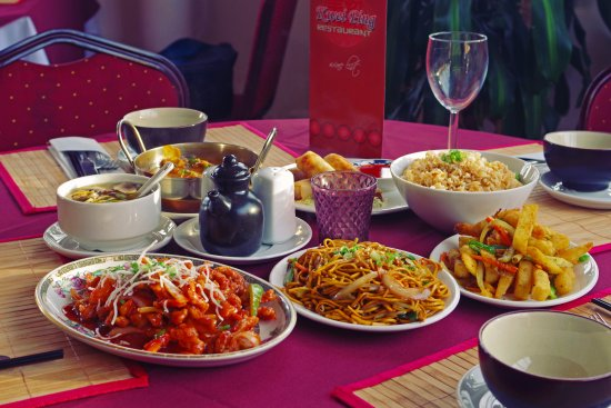 Kwei Ping: Lunch dishes set out.