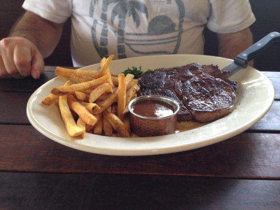 Outback Steakhouse: Ribeye 390g with chips and gravy