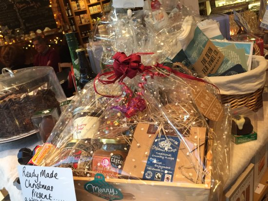 Budleigh Salterton, UK: Personalised Christmas Hampers.