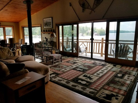 Saranac Lake, NY: Saranac Suite living room